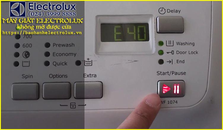 á giặt electrolux không mở được cửa