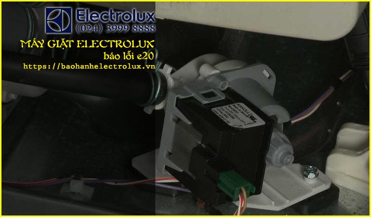 máy giặt electrolux lỗi e20
