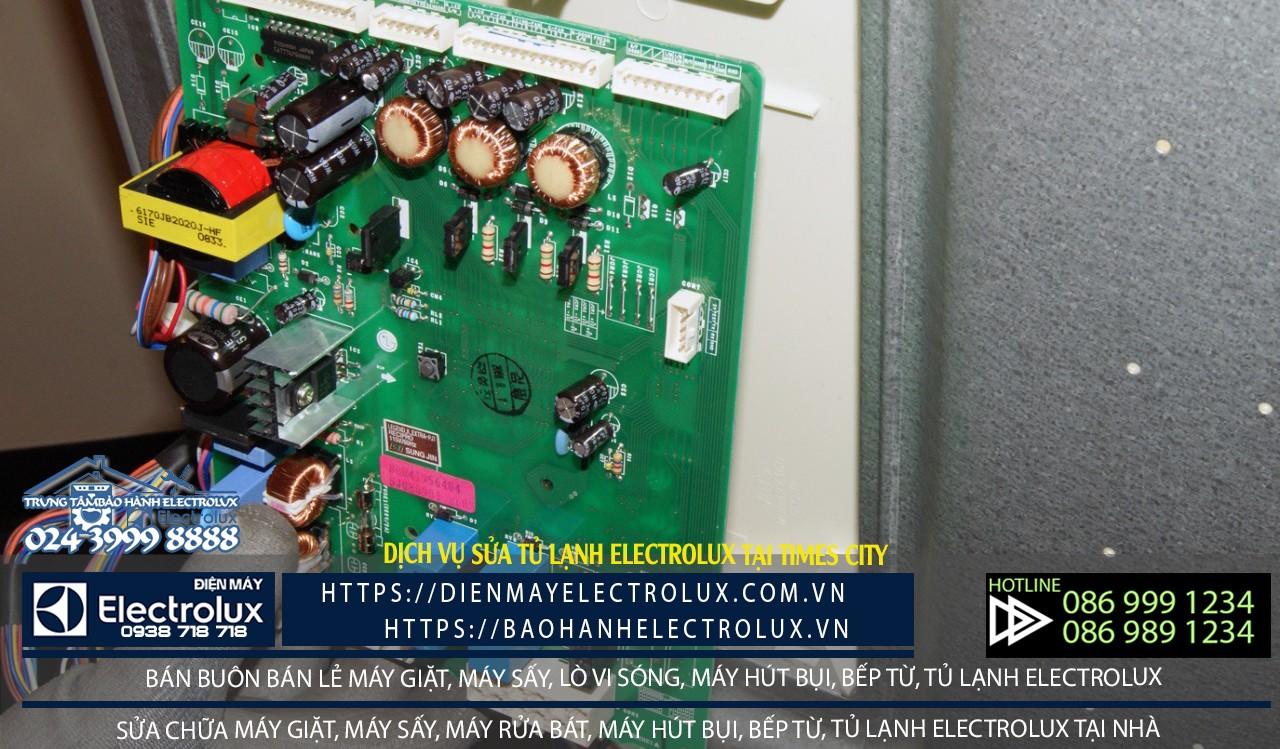 sửa tủ lạnh Electrolux tại Times City